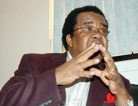 Prof Bolaji Akinyemi