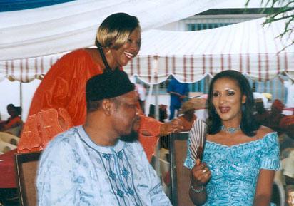 Latwe Ojukwu  and  wife, Bianca