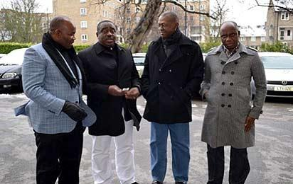 File: Enugu State Governor, Mr. Sullivan Chime flanked by some members of the Governor's forum; Governor Gabriel Suswam of Benue state, Governor Godswill Akpabio of Akwa Ibom state (left) and Gov. Rotimi Amaechi of Rivers State in London, Tuesday.