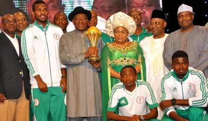 From left: Senate President David Mark; Captain of the Super Eagles, Joseph Yobo; President Goodluck Jonathan; his Wife Patience; Vice President Namadi Sambo and Speaker of the House of Representatives, Aminu Tambuwal during a reception in honour of the Super Eagles at the Presidential Villa Abuja on Tuesday night.