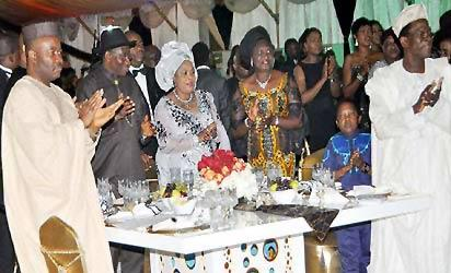L-R Governor Godswill Akpabio of Akwa Ibom state; President Goodluck Jonathan, his wife Patience; Wife of the Senate president Mrs Helen Mark; Nollwood actor Chinedu Ikediezu (aka Aki) and President of the Manufacturers Association of Nigeria Chief Kola Jimodu at the Presidential dinner to celebrate Nollywood