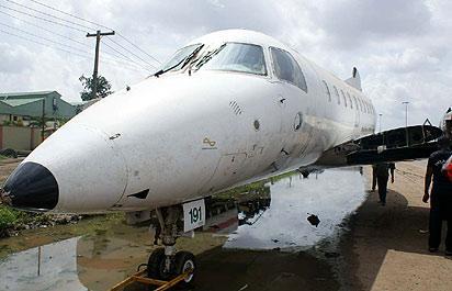 The aircraft  at Sanya Bus stop along Oshodi - Apapa Expressway