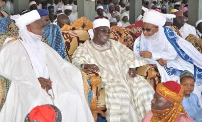 L-r: Sultan of Sokoto, Alhaji Sa'ad Abubakar III; Governor of Niger State, Dr. Mu'azu Babangida Aliyu and the Etsu Nupe, Alhaji Yahaya Abubakar, during the turbaning of the Deputy Governor of Niger State, Ahmed Musa Ibeto and two other eminent Nigerians at the Wadata palace, Bida, yesterday