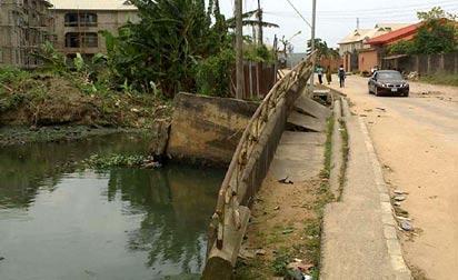 •The collapsed bridge. Photos: Bose Adelaja