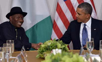 US President Barack Obama (R) shakes hands with President Goodluck Jonathan of Nigeria before their bilateral meeting in New York on September 23, 2013 on the sideline of the United Nations General Assembly. AFP