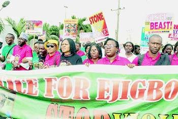 *Dr Odumakin's Women Arise For Change Initiative during their protest