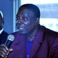 Chief Onigbinde (r) with former Super Eagles coach, Samson Siasia.