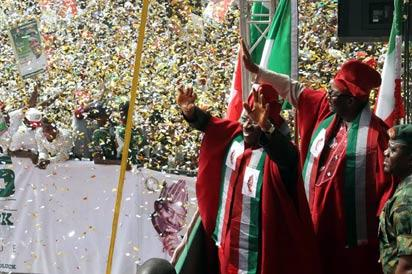 President Jonathan during his campaign at Mapo Ibadan, Monday.