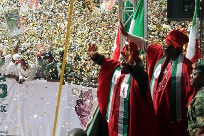 President Jonathan during his campaign at Mapo Ibadan, Monday.