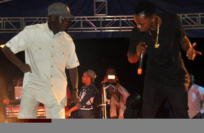 Governor Adams Oshiomhole and celebrated artiste, Patoranking at a concert held in Benin City, Wednesday, to celebrate the victory of General Muhammadu Buhari of the APC in the Presidential election held on March 28.