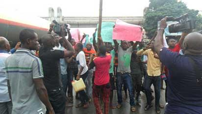 PROTEST: Youths protesting alleged planned relocationn  of Boko Haram prisoners to Anambra State in Onitsha yesterday.