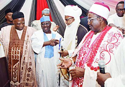 AWARD 2 L-R: Sen. Abdullahi Adamu; Nasarawa State Governor Tanko Al-Makura Receiving LEADERSHIP Politician of the Year Award from the Etsu Nupe HRH Yahaya Abubakar; and Emir of Lafia Alh. Isa Mustapha Agwai;
