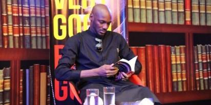2face reading the book