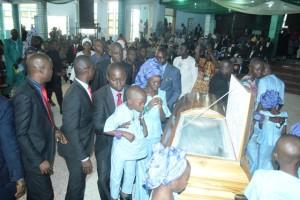 Pastor Elijah Olawale (Husband) pay the Last respect in honour of his late wife, Eunice.