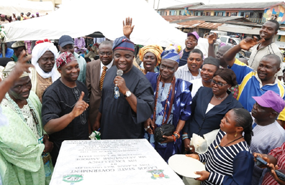Representative of Lagos State Governor and member, Lagos State House of Assembly, Hon.  Mustain Abiodun Tobun (3rd left), with Regent of Ipakodo, Ikorodu, Chief Abdulrasheed Shitta (left); Sole Administrator, Ikorodu West LCDA, Mr. Segun Anifowoshe (2nd left) and other Community Leaders during the commissioning of Taiwo Molajo Street as one of the 114 Roads in Ikorodu West Local Council Development Area, on Tuesday, September 20, 2016.
