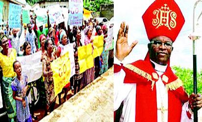 R-L: Bishop Erifeta and Parishoners protesting at Saint Luke Cathedral, Sapele.
