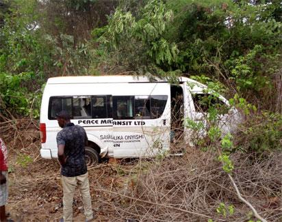 1 dies, 2 injured as vehicle falls into gully in Cross River