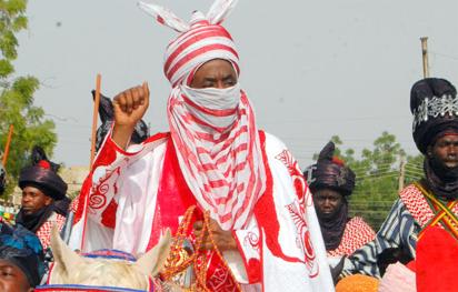 Match-4-IDPs: Emir Sanusi receives Kanu, Diouf in his palace