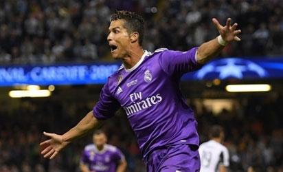 Real Madrid claims Super Cup with 2-1 win over Manchester United