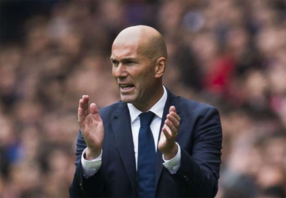 Zidane waves off critical reviews of Real performances