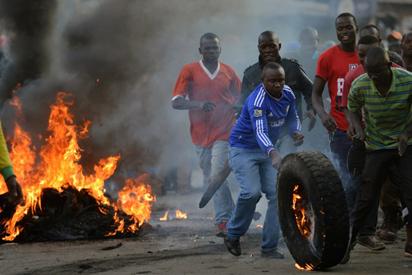 Tense Kenya awaits results of disputed election