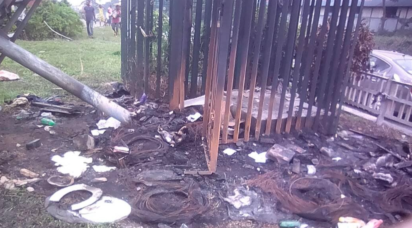 Mob set two scavengers ablaze