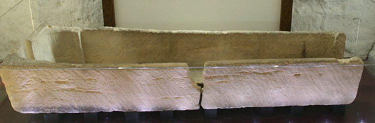 800-year-old coffin damage in UK museum