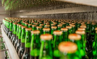 In food waste fight, Brits turn bread into beer