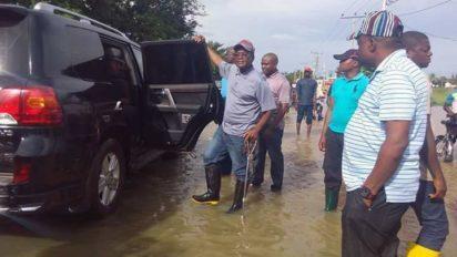 Floowing Buhari's orders NEMA sends  trucks of relief materials to Benue