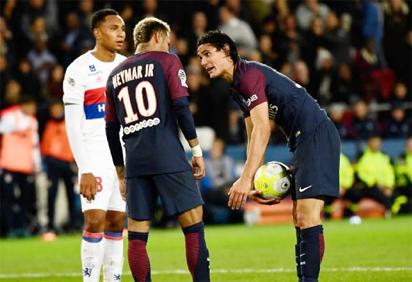 'Penaltygate' threatens to halt PSG's lightning start