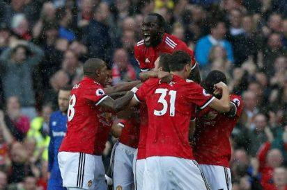 Burnley scare Manchester United, as Chelsea win