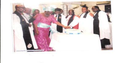 Anglican cleric berates prosperity preachers