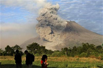 New Zealand police says at least five dead in volcano eruption