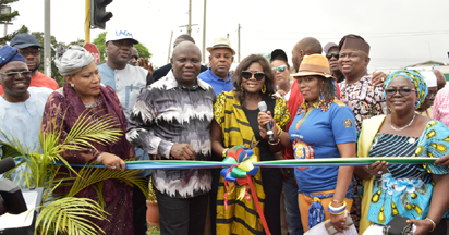 Photos: Fela Anikulapo-Kuti statue unveiled in Lagos