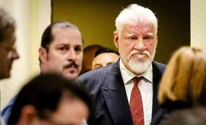 Slobodan Praljak: commits suicide in front of camera