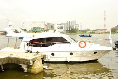 18 passengers escape death as boat copsizes amid heavy rainfall in Lagos