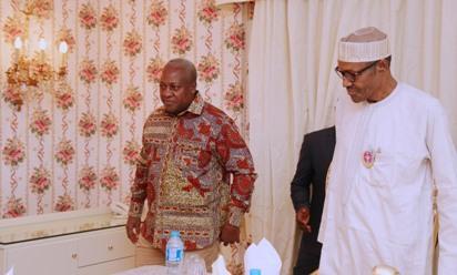 Photos: President Buhari hosts Ex-president Mahama of Ghana to dinner