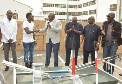 Photos: Obafemi Martins donates hospital equipments to Lagos state government