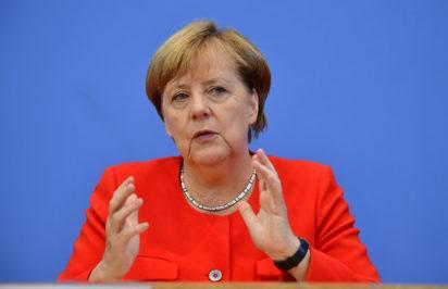 Merkel to meet state premiers, discuss tightening COVID measures