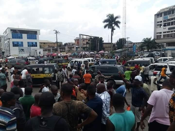 Heavy protests in Imo, over extortion by task forces on bus drivers