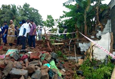 Heavy rain triggers collapse of houses, kills 15 in India