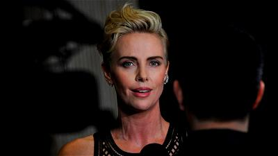 Charlize Theron, Father