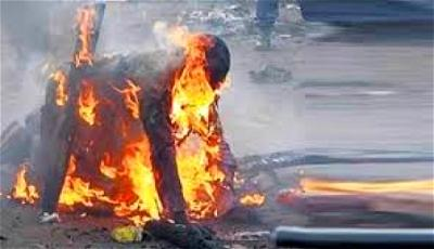 Mob roast man to death for stealing fowl in Calabar