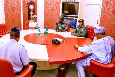 BREAKING: Buhari, Security Chiefs, Ministers meet in Aso Rock