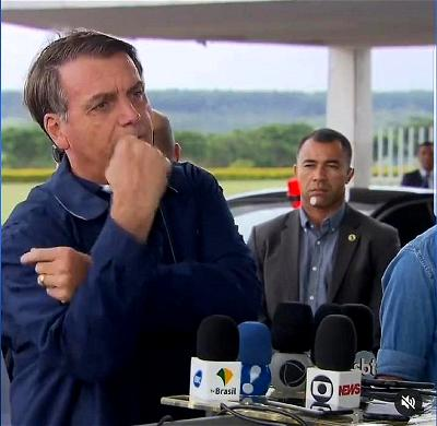 Brazilian President Jair Bolsonaro tests negative for coronavirus, after much confusion
