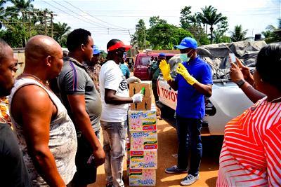 Coronavirus: Orajiaka donates sanitisers, face masks, food items to Anambra communities