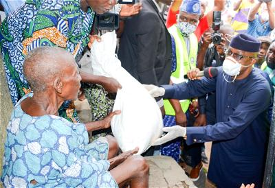 COVID 19 Lockdown: Abiodun distributes relief materials to people in Ogun Central