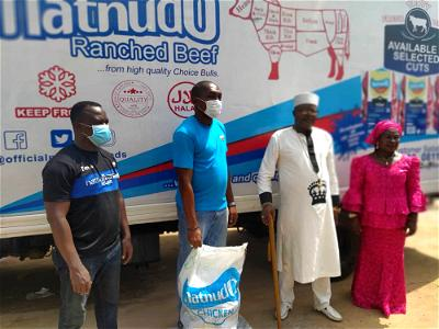 Firm fetes over 1000 families in Ibadan with frozen chicken to boost immunity against COVID-19
