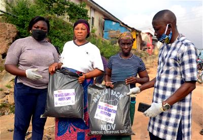 Easter Giveaway: NGO distributes emergency food relief package