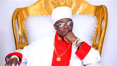Oba of Benin bans ex-chief servant for alleged impersonation, others
